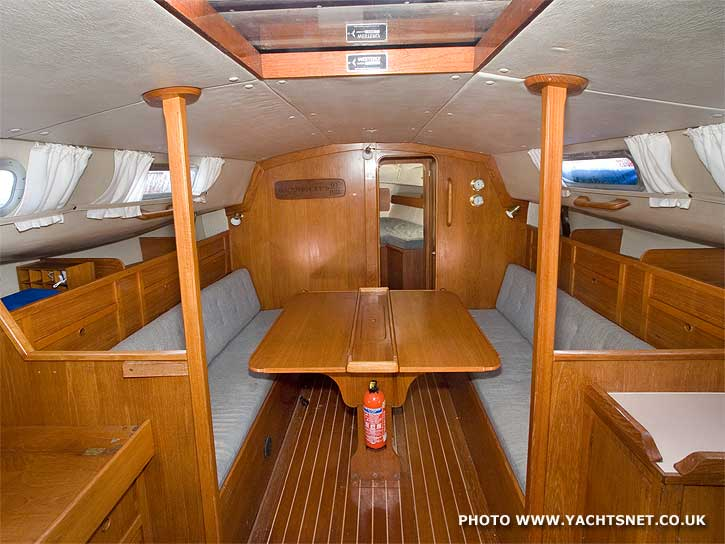 Westerly Fulmar interior - yacht for sale